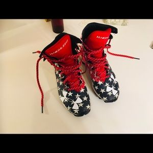 Under Armour cleats/ youth /2.5